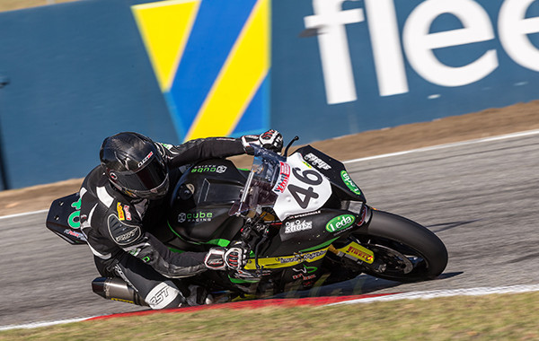 Jones sweeps the Superbike class at Barbagallo