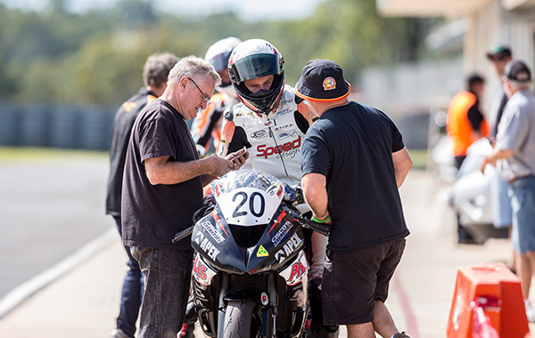 ASBK competitor Phillis heads to WSBK