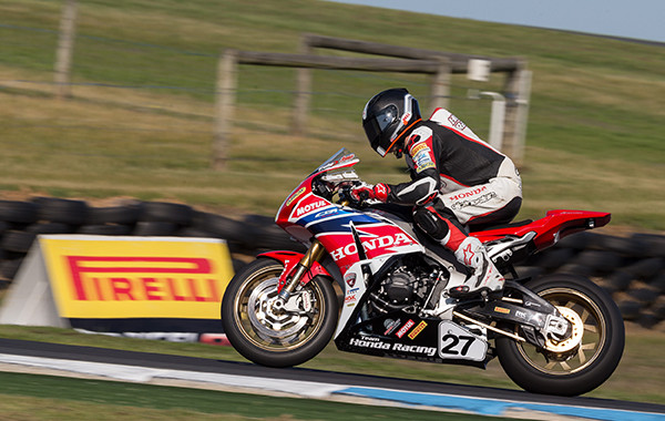 Pirelli riders dominate Superbike, Supersport and Production classes of Australian Superbike Championships at Phillip Island