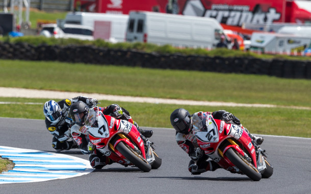 Stauffer clinches a tightly contested win at Moto GP
