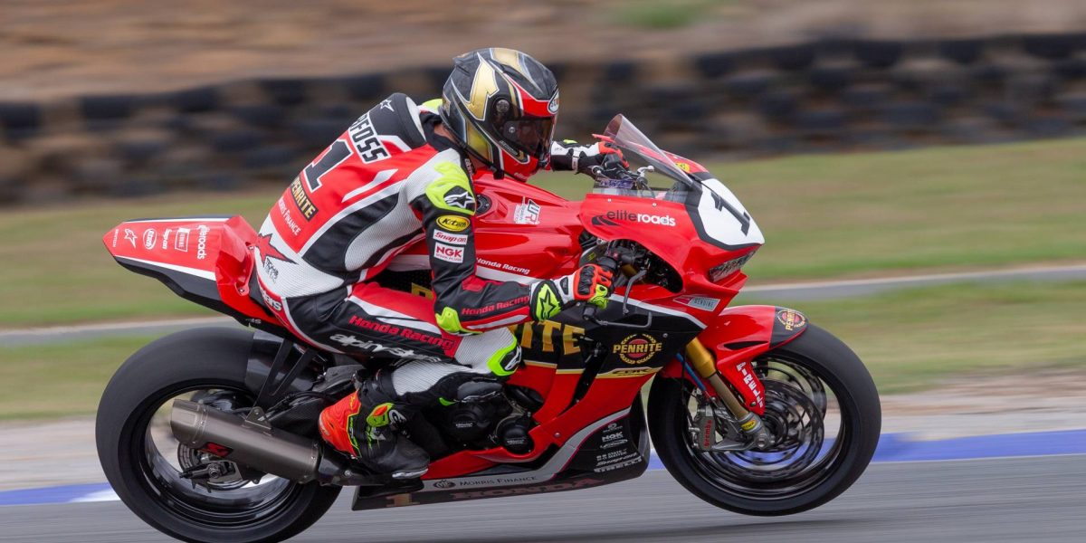 South Wales Superbikes >> Herfoss Fastest In Rain Shortened Superbike Practice For